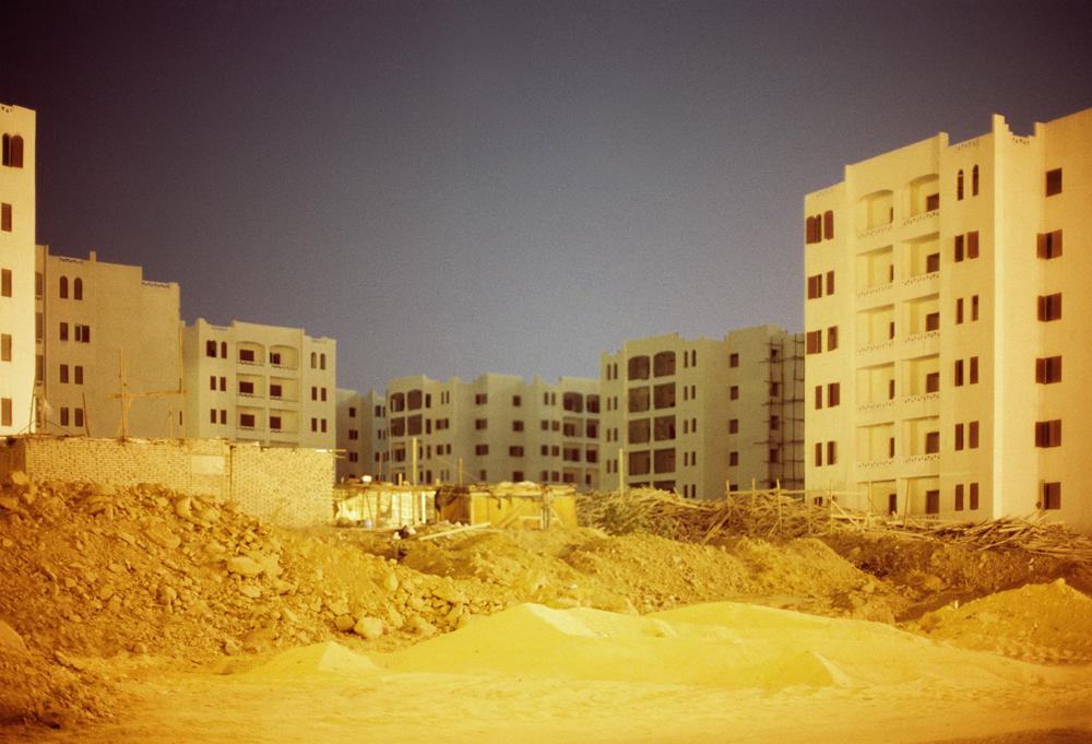 Ahmed Kamel - Artwork - Photo series - Extension#2-C print-70x100cm, 2009