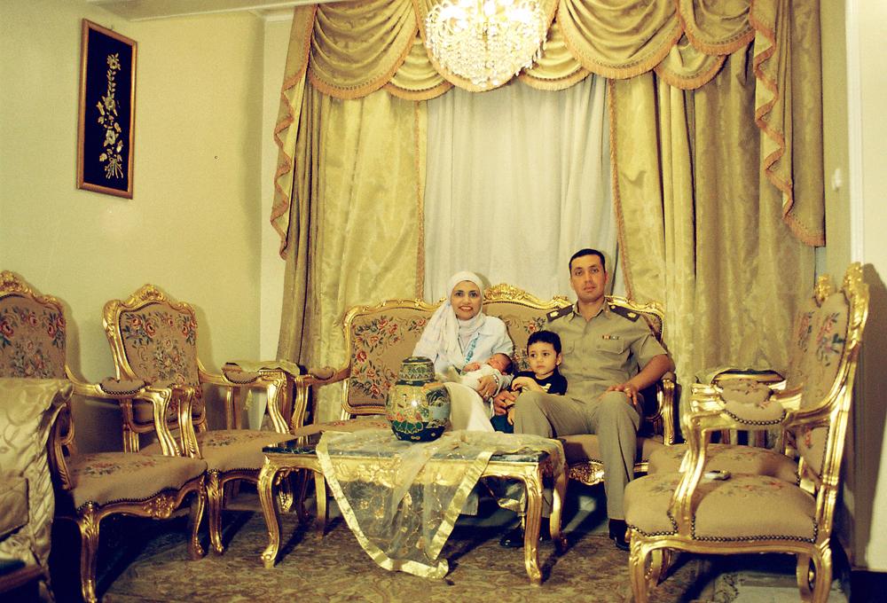 Ahmed Kamel - Artwork -family portrait - photography -Sowar Min El Salon-C print-66x99cm, 2003